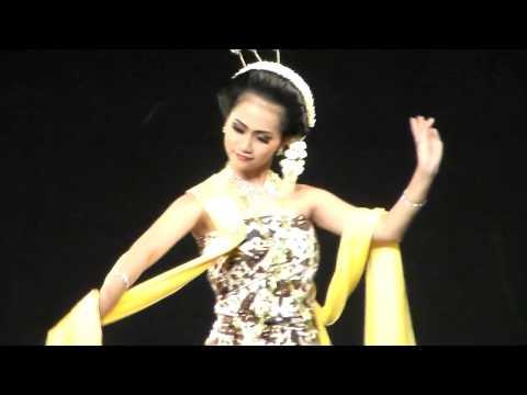 Tari Gambyong Pareanom- Festival of India in Indonesia