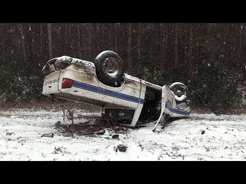 Snow Causes Crashes and Freezes up Charleston, SC - 1/3/2018