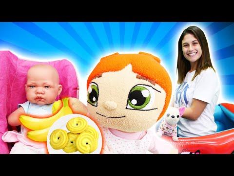 Oyuncak bebek bakma oyunu. Ayşe Loli ve Lily ile Ela için muzlu yulaflı kurabiye yapıyorlar