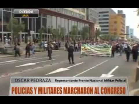 Policías y militares marcharon al Congreso