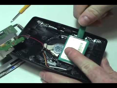 how to replace your tomtom xxl iq routes battery youtube. Black Bedroom Furniture Sets. Home Design Ideas