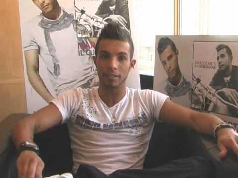 Marco carta risponde alle domande delle fan intervista for Intervista domande