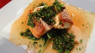 Pan Seared Salmon With Chili Lime Sauce