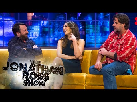 Did Russell Crowe and Elizabeth Hurley kiss? - The Jonathan Ross Show