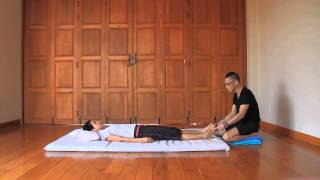Sen Lines on Sole - Reviewing Thai Massage Techniques with Kam Thye Chow