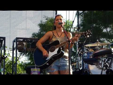 KT Tunstall performs 'Other Side of the World' at Artpark