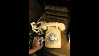 How to dial a Rotary Telephone