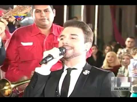 Jas Devael (ahijado Juan Gabriel) y niños del César Rengifo cantan cumpleaños 54 a Maduro