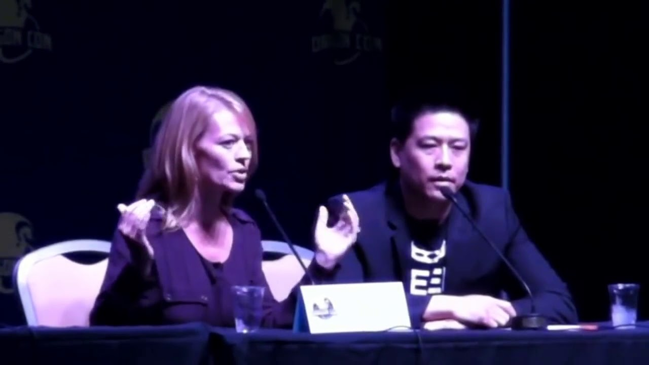 Download ST:V - Jeri Ryan: Working With Kate Mulgrew Was Difficult