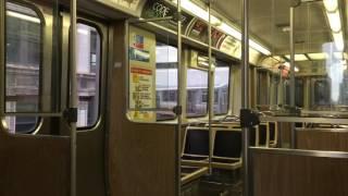 シカゴ交通局 (CTA)の高架鉄道、シカゴ・Lの2200系の車内風景です。 ル...