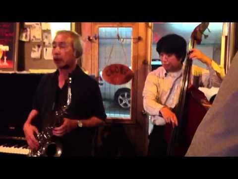 Yokohama Jazz Music at a Belgian Beer Bar (Sakuragicho, Yok