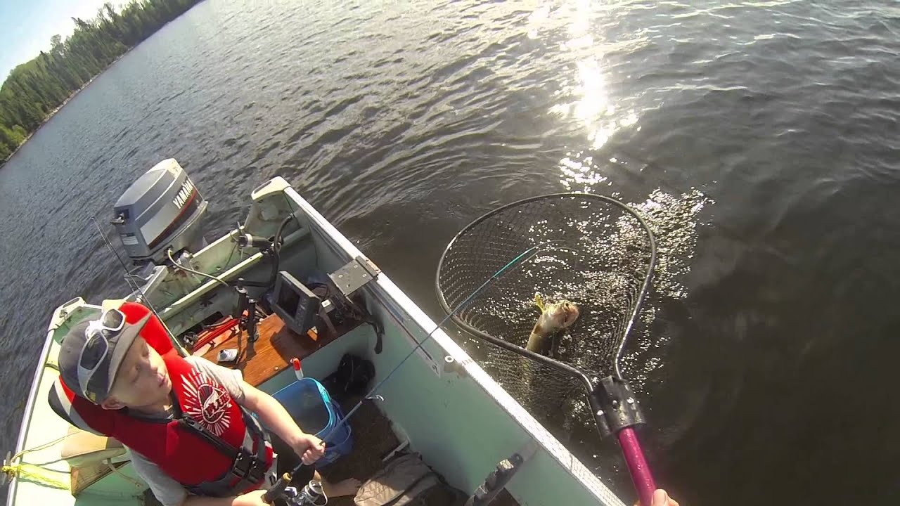 Lac seul walleye fishing jacks monster walleye youtube for Lac seul fishing report