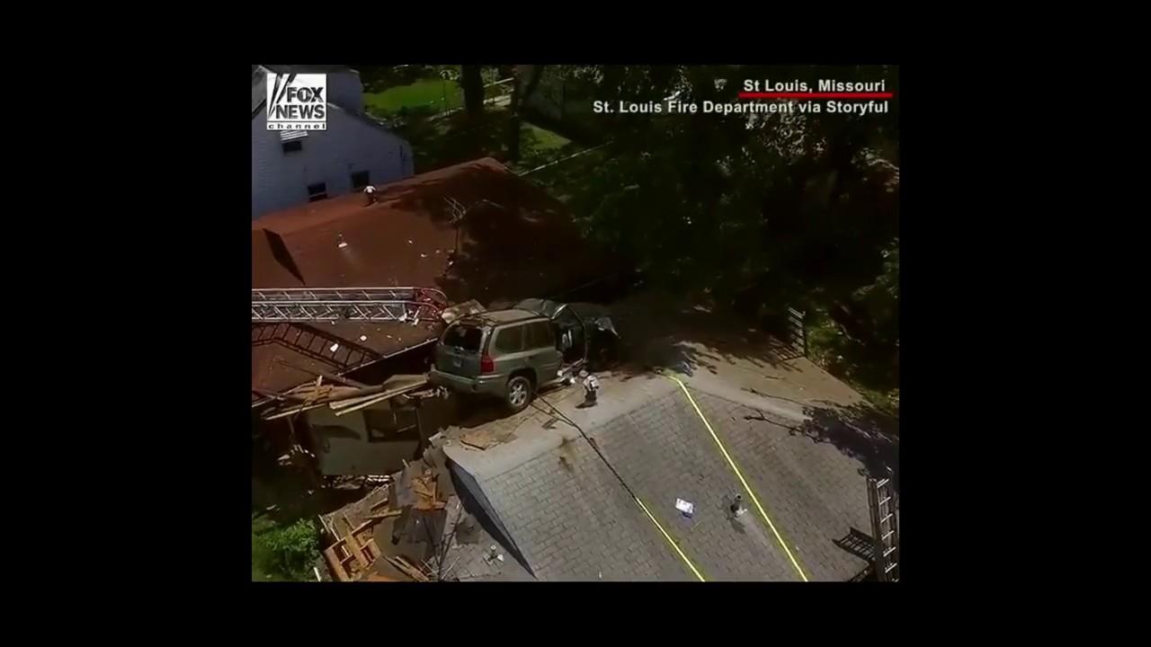 Wild Car Crash: Vehicle flies through roof of house - YouTube
