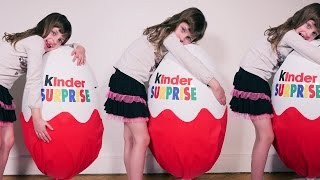 [OEUF & JOUET] Super maxi géant Kinder Surprise plein de jouets et oeufs - Unboxing giant full egg thumbnail