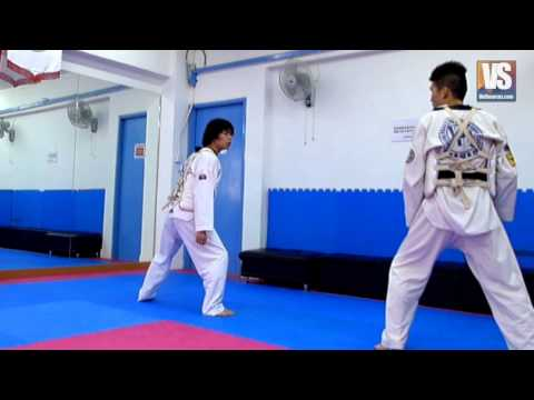 Taekwondo Slow Motion Kicks by Panasonic DMC - LX 7 @ 100 fps