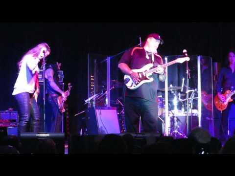 Purple Rain Willie K New Years 12/31/16 Maui Wailea