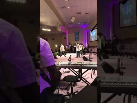 THE WILLIAMS SINGERS SOUL SAVER BANDVIEW
