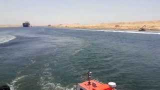 لنشات القوات البحرية تتولى حراسة أول 3سفن تعبر قناة السويس الجديدة 25يوليو2015