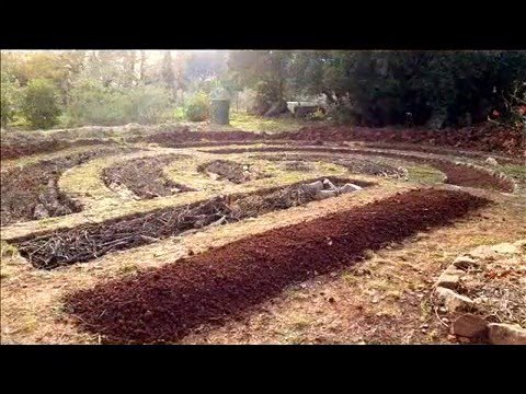 """Permaculture potager """"le commencement"""" Mise en place et préparation façon Mandala"""