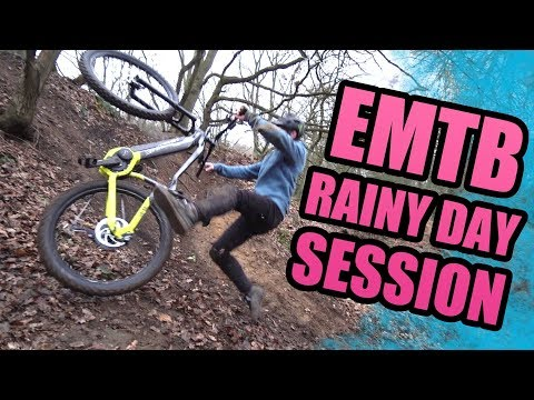 RAINY DAY SESSION WITH THE EMTB *CRASHES*