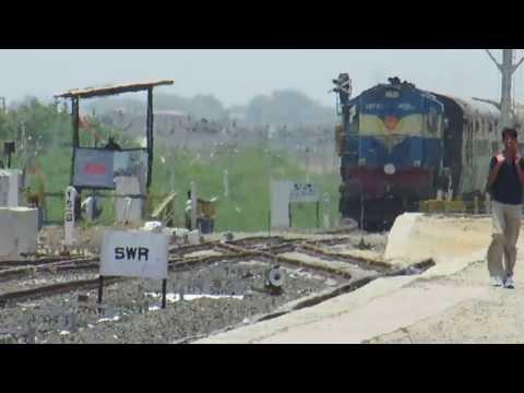IRFCA - Full HD - 22903 BDTS BHUJ AC Express with smoking Vatva WDM3A skips Anjar