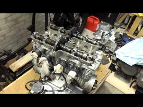 1982 Kawasaki 750 Ltd Rebuild (Part 3 Engine withdrawel / disassembly)