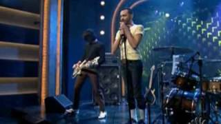 Death From Above 1979 - Romantic Rights - Live on Conan O'Brien - 11/03/2005