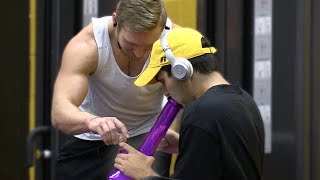 HITTING BONG IN THE GYM PRANK!