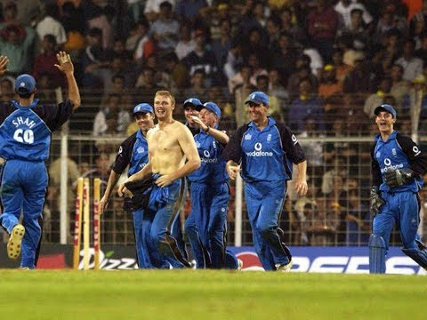 India vs England 2002 6th ODI MUMBAI - FLINTOFF RUNS AROUND SHIRTLESS