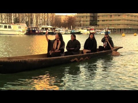 """Indigenous Group Brings """"Canoe of Life"""" 6,000 Miles from Amazon to Paris to Call for Climate Action"""