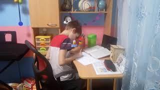 Оскар делает уроки за Тараса, Тарас в шоке!