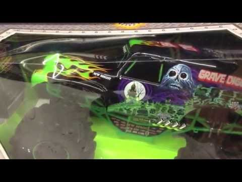 New bright rc monster jam trucks at toys r us youtube sciox Choice Image