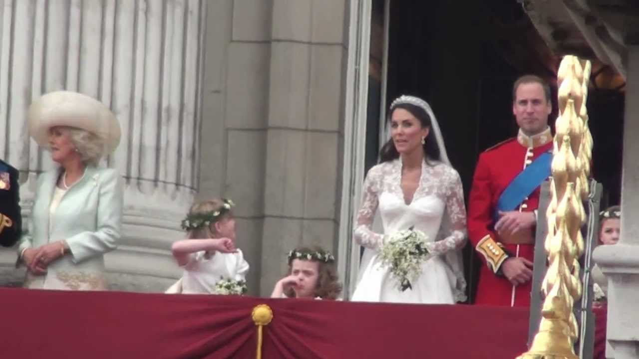 British Royal Wedding Prince William And Catherine Middleton Balcony Appearance
