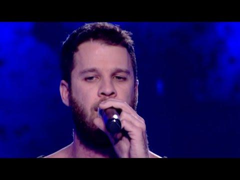 Άκης Παναγιωτίδης - Skyfall | The Voice of Greece - The Blin
