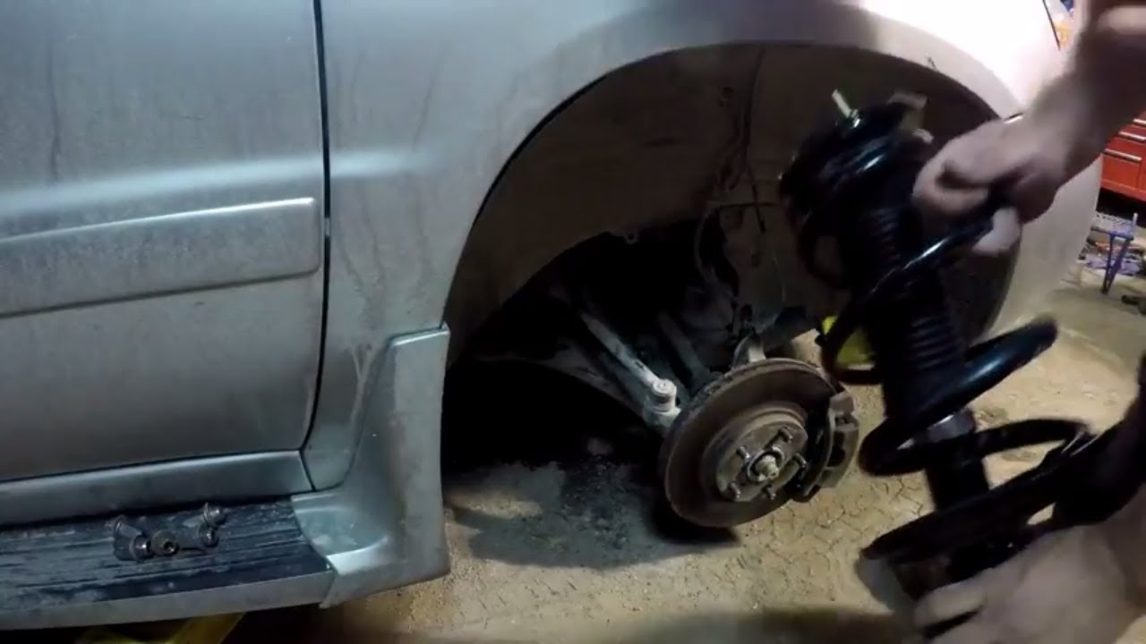 Front Strut Replacement Cost >> How To Replace Front Struts Toyota Highlander