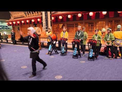 Performance in Edo-Tokyo museum / Представление в музее Эдо-Токио