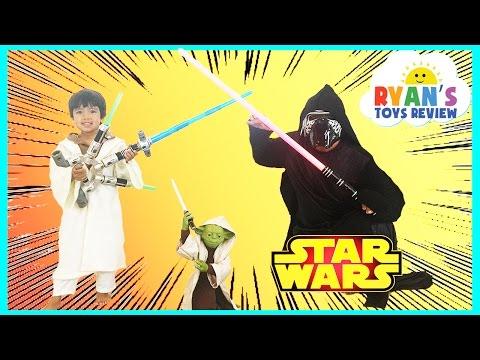 Disney Star Wars Toys Talking Yoda Jedi Force Levitator BLADEBUILDERS JEDI MASTER LIGHTSABER