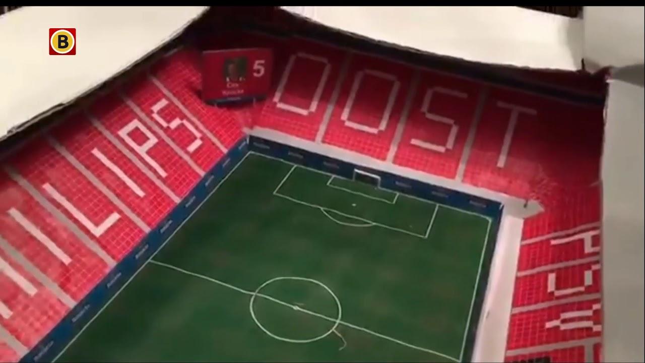 Het Philips Stadion Nagebouwd Met Karton En Papier