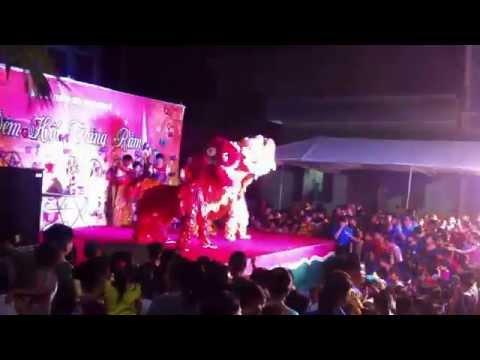 Múa lân tết Trung Thu 2015