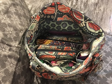 2a8419e0313e What s in my Vera Bradley Glenna Bag   Accessories. - YouTube