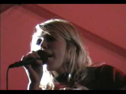 """Libby Holden Performs """"Walking on Sunshine!"""" Live ..."""