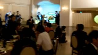 結婚式の余興で演奏・歌った ウルフルズ「バンザイ!」 の カバーです。