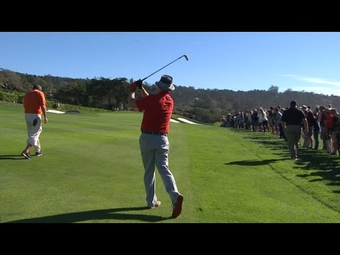 Bill Murray's fantastic approach leads to par at AT&T Pebble Beach