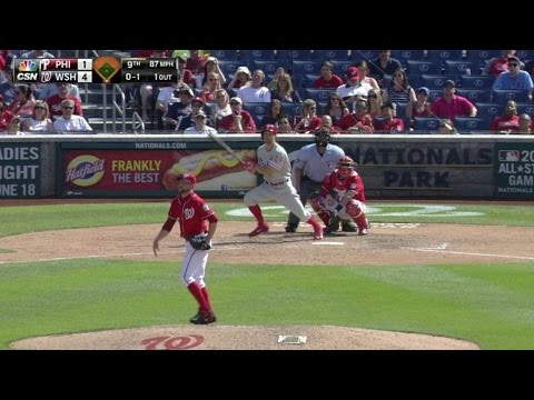 PHI@WSH: Sizemore hits a double to keep Phils alive