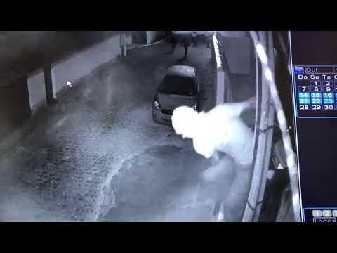 Resultado de imagem para Câmeras de segurança flagram momento em que bandidos invadem casa de prefeita na PB