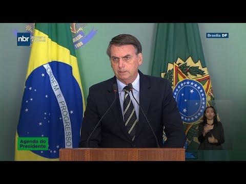 Bolsonaro firma un decreto que facilita la posesión de armas
