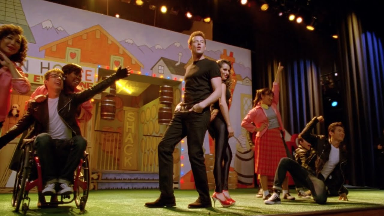 Download GLEE - You're The One That I Want (Full Performance) HD