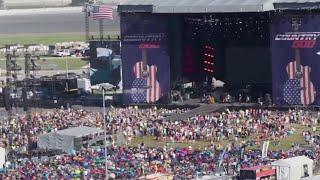 Rain won't stop country music fans in Daytona Beach