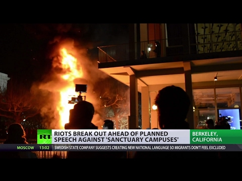 'US media create hysteria': Protesters crash UC Berkeley to prevent Breitbart News editor