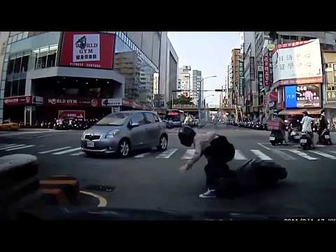 los peores accidentes de motos muy graciosos HD